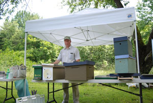 Instructor: Larry Peiffer, Vice President, Maine State Beekeepers Association